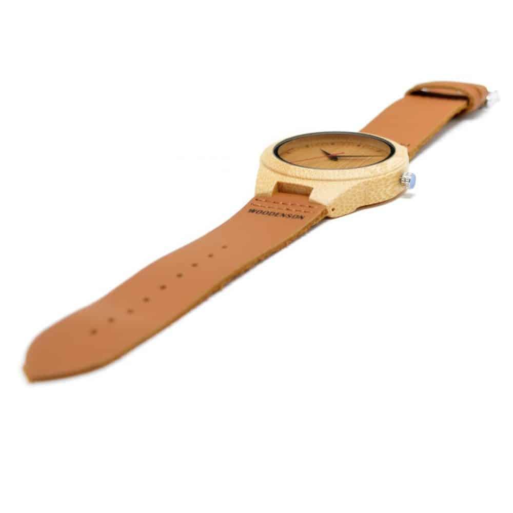 reloj de madera deva