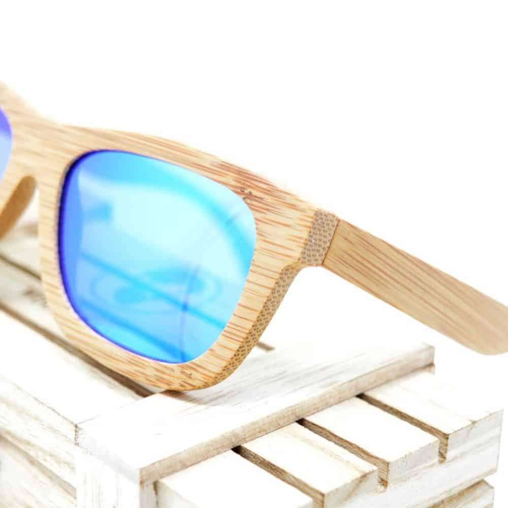 Gafas de madera con cristal azul modelo Mimasu