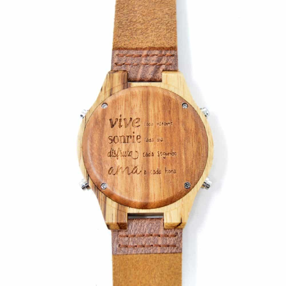 Reloj digital de madera Adynatos