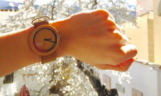 Reloj de madera Nator