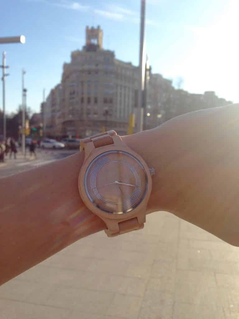 Reloj de madera Vivace