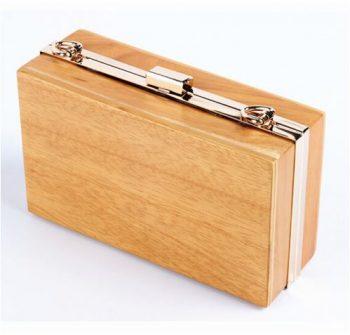 Bolso o clutch de madera