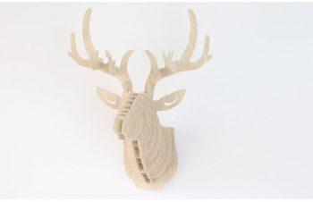 cabeza ciervo madera decoración