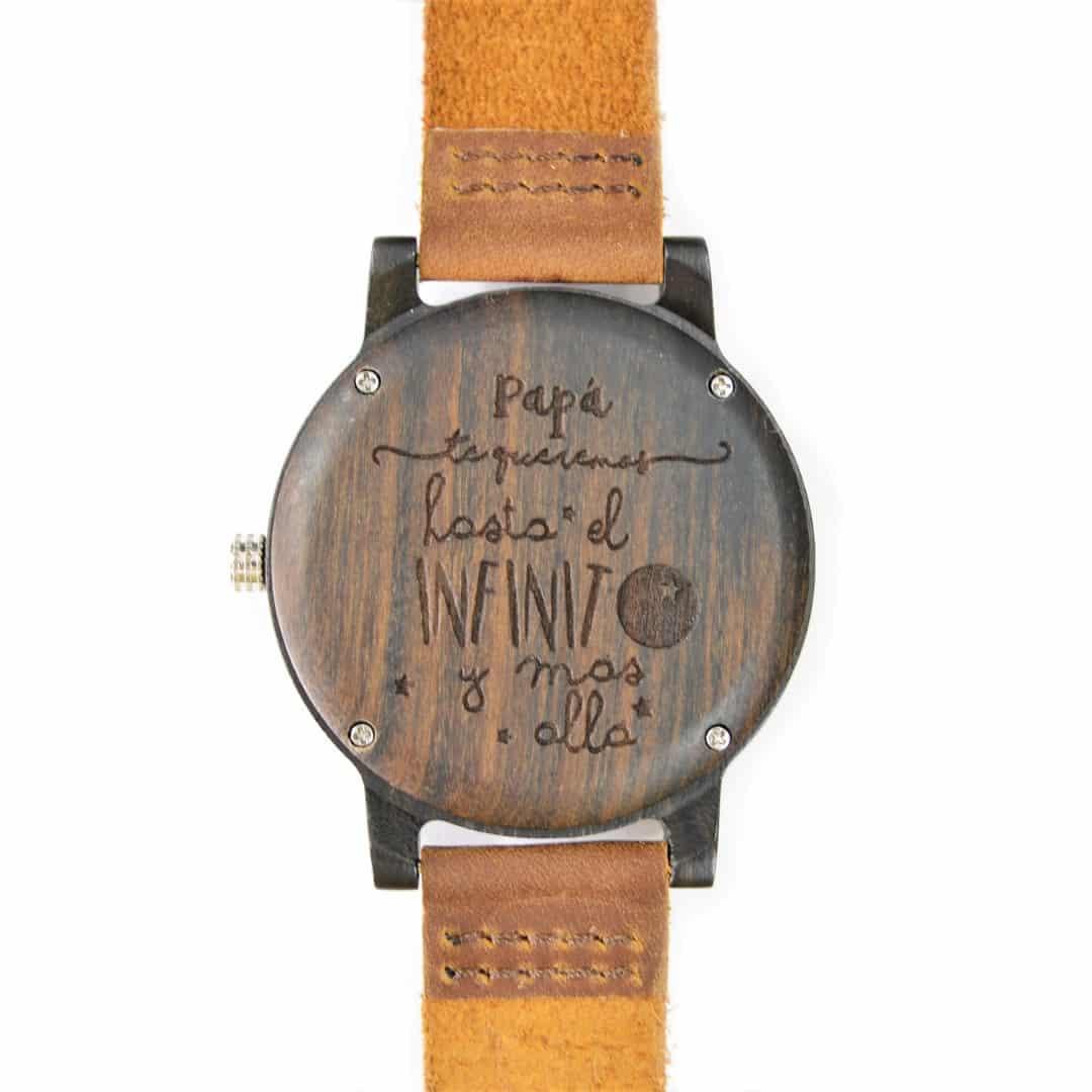 Reloj de madera de bambú oscuro modelo Kurai