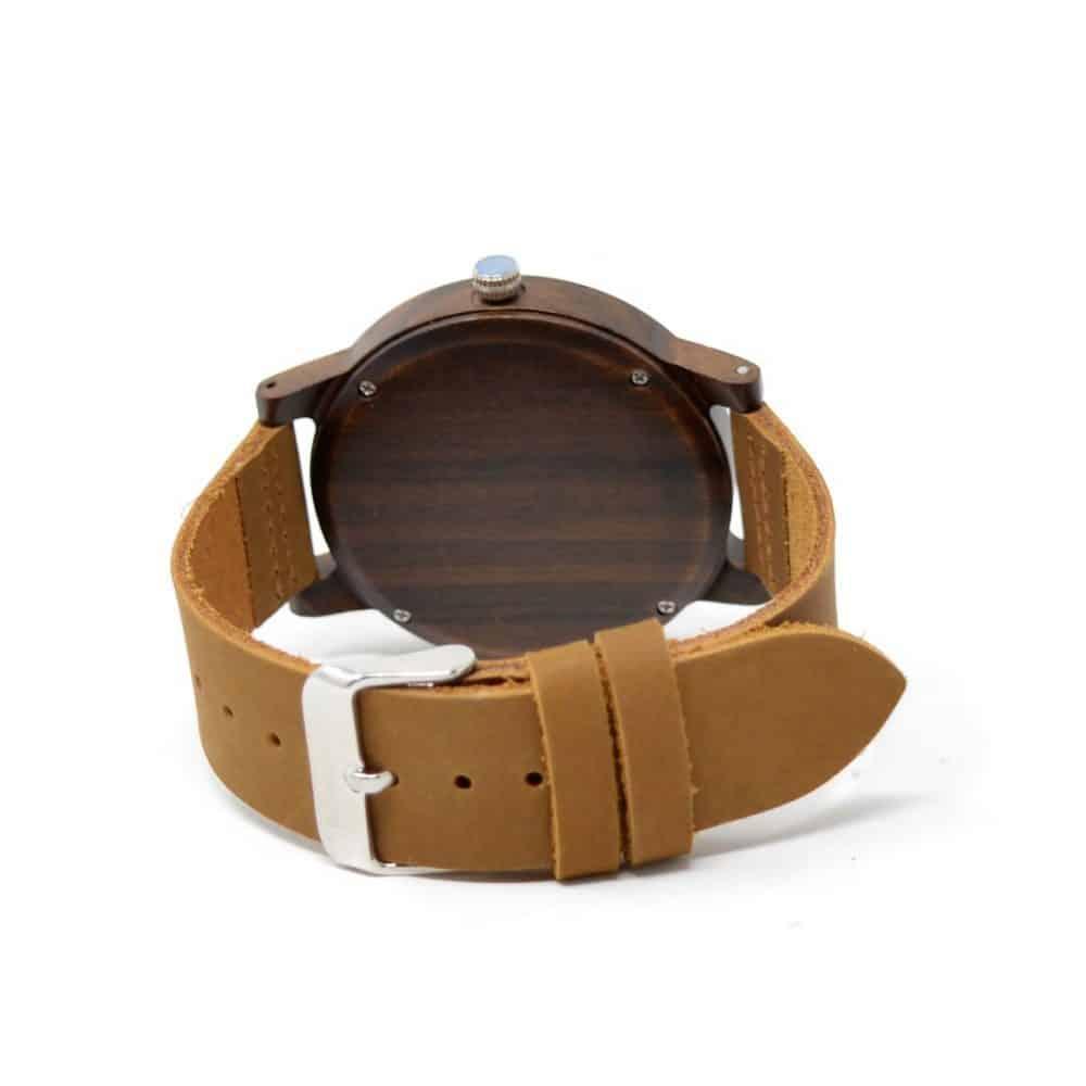 Reloj de madera kurai