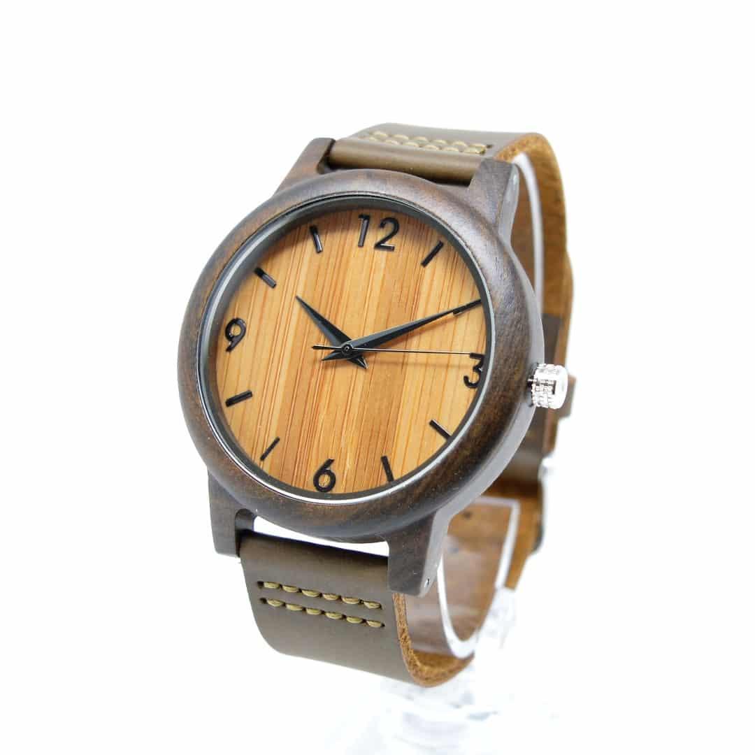 966dd68d3905 Reloj de pulsera de madera con números en la esfera modelo Terral