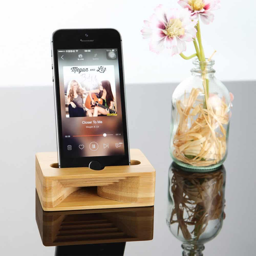 Altavoz para móvil de madera de bambú natural