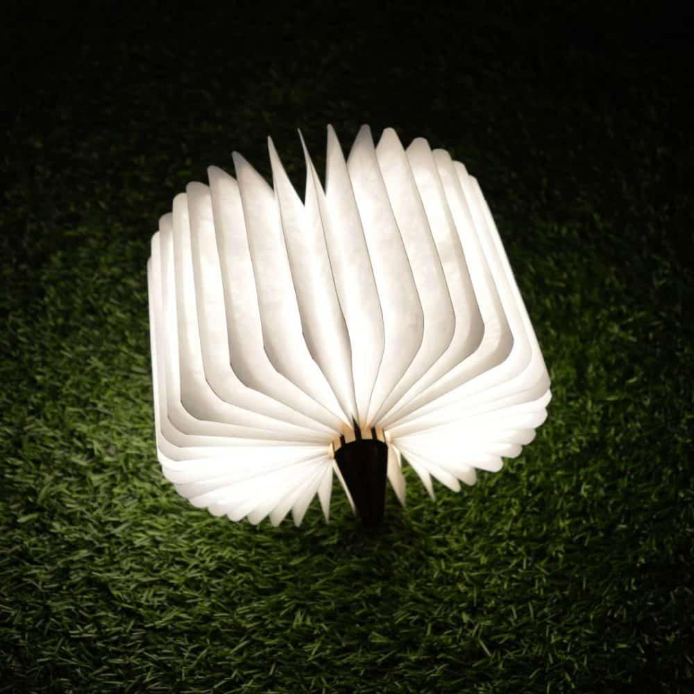 Lámpara plegable de mesa con forma de libro