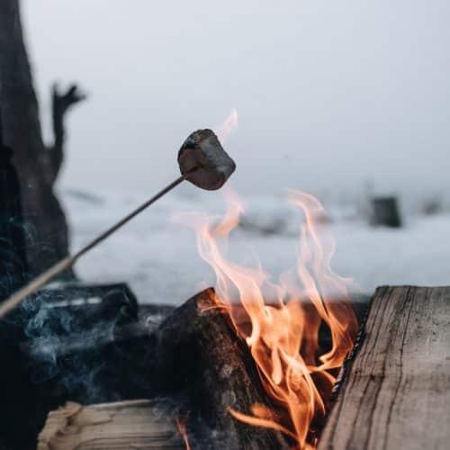 a que temperatura se quema la madera